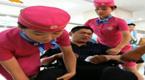 郑州一医院护士着空姐装服务患者
