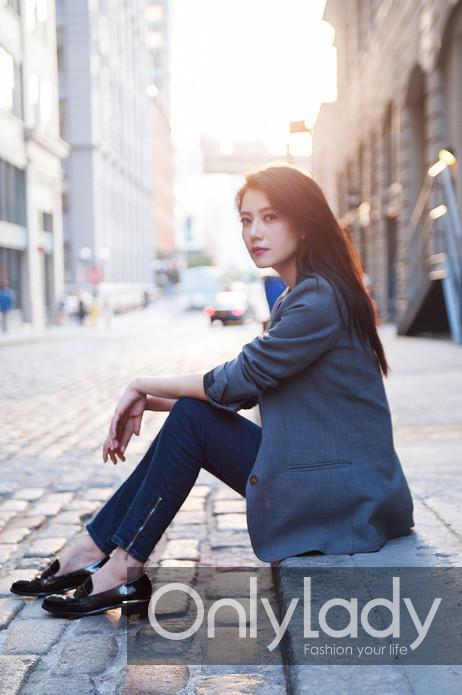 高圆圆纽约时尚街拍 逆光街头尽显浪漫图片