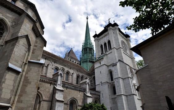 圣彼得大教堂,日内瓦的老城区也是别有风味的一处旅游景点,可以在