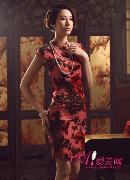 复古显瘦真丝花纹旗袍
