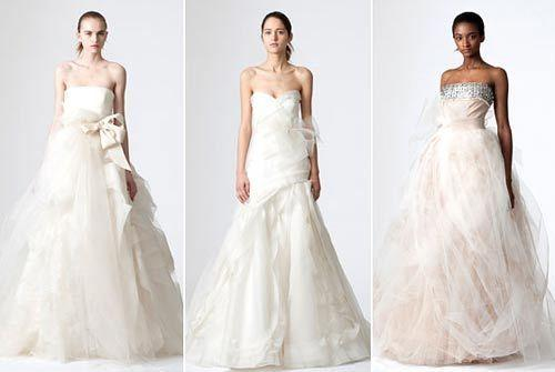 选婚纱的建议_婚纱颜色的选择与购买婚纱的建议