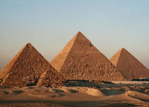 亲身探索埃及的金字塔