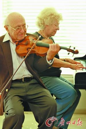 男女/男女双方都在同一个专业,白头到老的机会更大。Getty Images供...