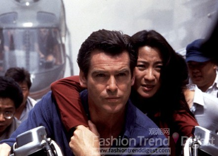 打女杨紫琼在007系列《明日帝国》中饰演身手不凡的林微一角仍是华人