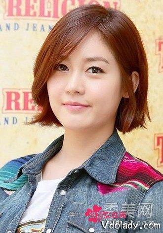 韩国武器中短发发型装嫩卖萌的减龄发型大女生鬓角图片