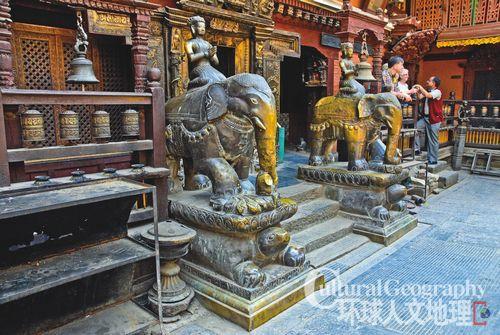 尼泊尔帕坦 工匠云集的艺术之城