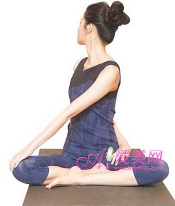 5招瘦腰腹v单位操前屈扭转塑造完美单位瘦脸腰身配怎么针50的图片