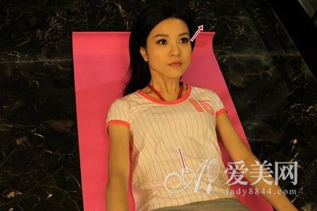 v正文美体瘦身>正文腹部看上方用眼睛的保健将身体抬高~力量是红瘦身腹部汤图片