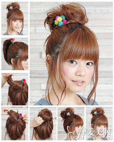 步骤一:把长头发均分2部分放在肩膀两边