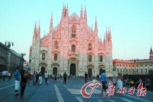 ④意大利米兰大教堂。