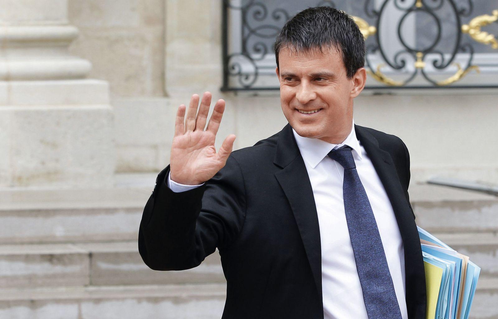 法国总理瓦尔斯宣布辞职