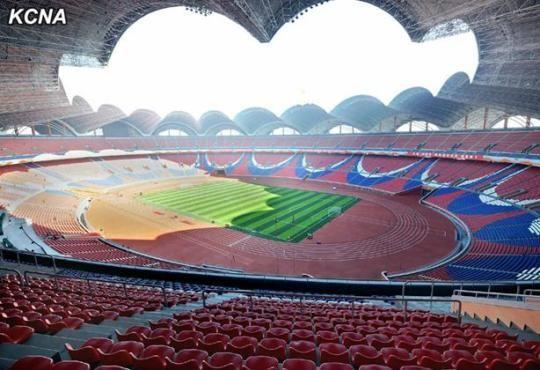 朝鲜全民掀体育潮新落成体育场可容纳15万人