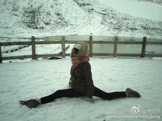 林志玲雪山玩劈叉
