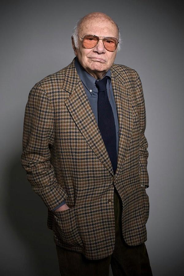 意大利国宝级导演罗西去世 曾获戛纳金棕榈大奖