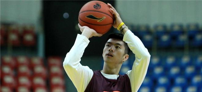 新疆男篮正式签下后卫王子瑞