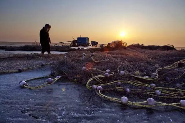 这个冬天 跟着李晨和范冰冰去看查干湖冬捕