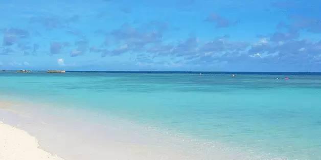 大海水命配什么命好_冲绳最美滩 一头扎进果冻蓝的大海!