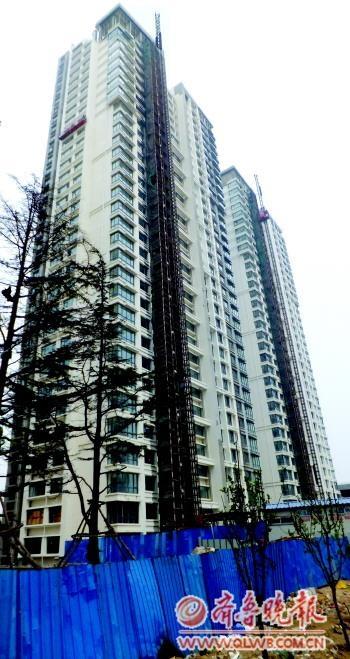 青岛四方区联城海岸锦城两座楼房层高缩水10厘米