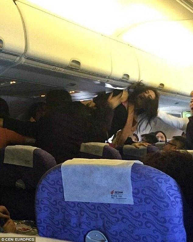 美网民公然炫耀曾殴打插队的中国大妈(图)