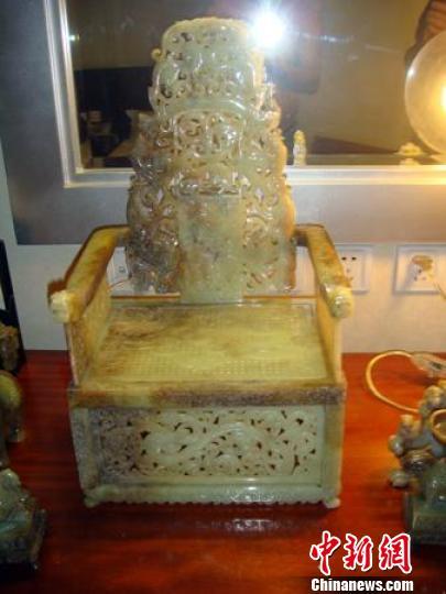 网帖爆料:在那个汉代玉凳售出后,这家作坊又再次制作的汉椅