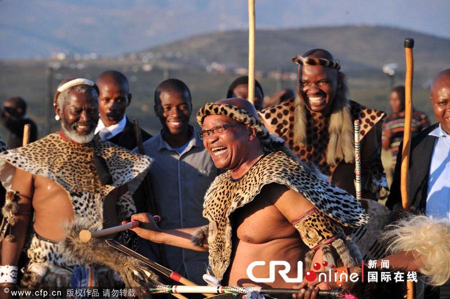 (原创)尚武的战士——南非总统祖玛家乡的祖鲁族传统节日芦苇节3 - 六一儿童 - 译海拾蚌