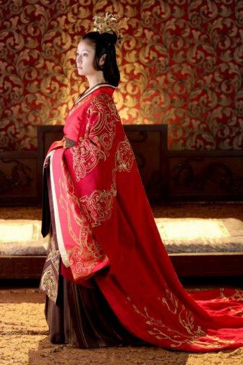 古装美女的代表,从她刚出道时的《还珠格格》,到近期的《美人心计》和