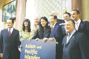 关颖珊获洛杉矶精神奖 称为自己是华裔美国人骄傲