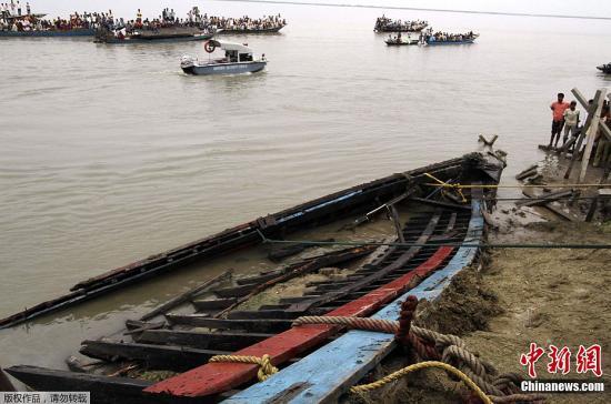 印度警方称沉船事故最终或导致250人死亡(图)