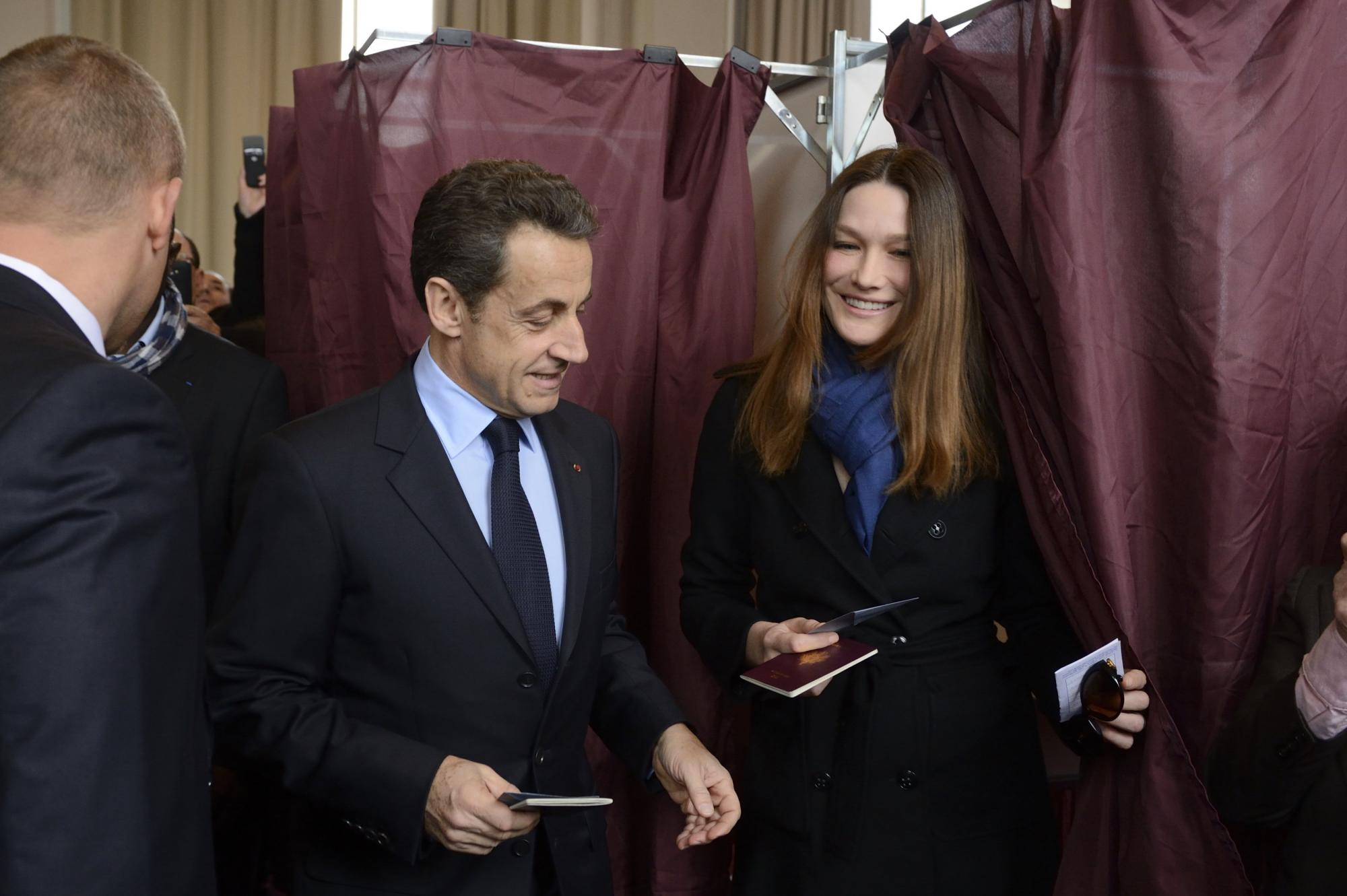 4月22日,布吕尼与萨科齐一起参加法国总统大选首轮投票