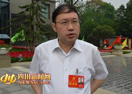 宜宾市委书记杨冬生接受本网记者采访