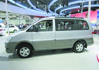 升级的2012款东风风行菱智M5在各地陆续上市. -2012款菱智M5全
