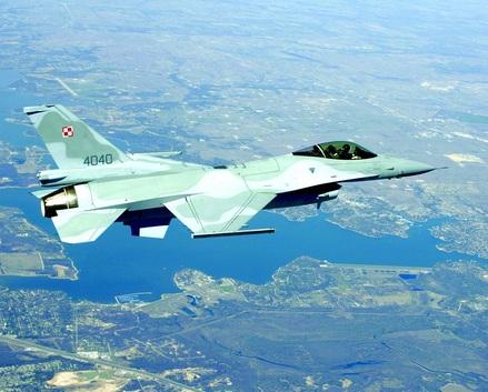 波兰空军f-16战斗机.图片
