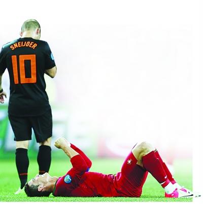 荷兰队内讧_荷兰足球的内讧