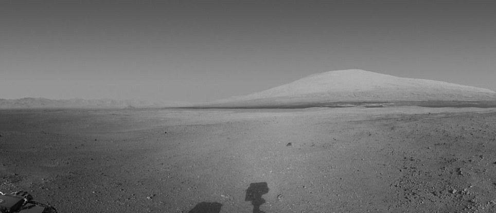 夏普山的黑白照