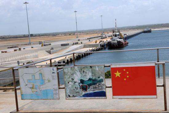 汉班托塔港被认为是中斯合作典范。2010年,港