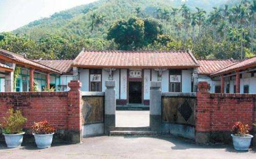台湾公馆乡河排罗家三合院有108年历史