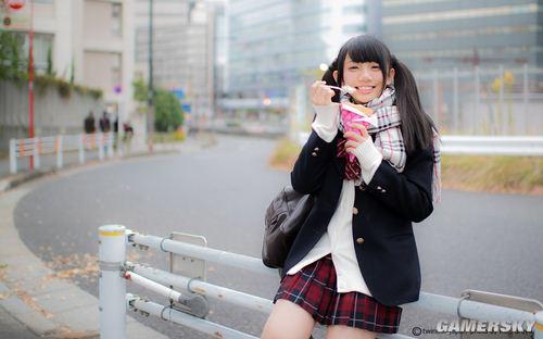 喜欢双马尾少女卖萌 日本人执念可爱情结的体现?