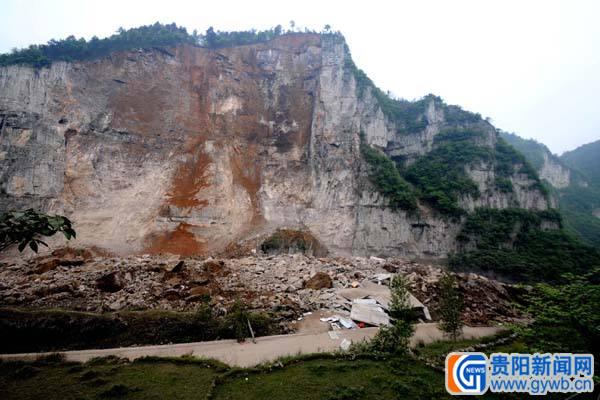 凯里江口峭壁200米峡谷简图片笔画棕熊崩塌1(图)图片