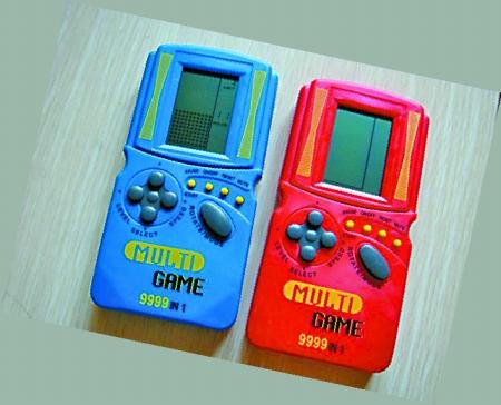 小霸王游戏机、磁带随身听…80后最洋盘的回