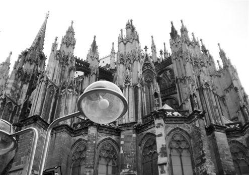 法国埃菲尔铁塔; 德国科隆大教堂图片;