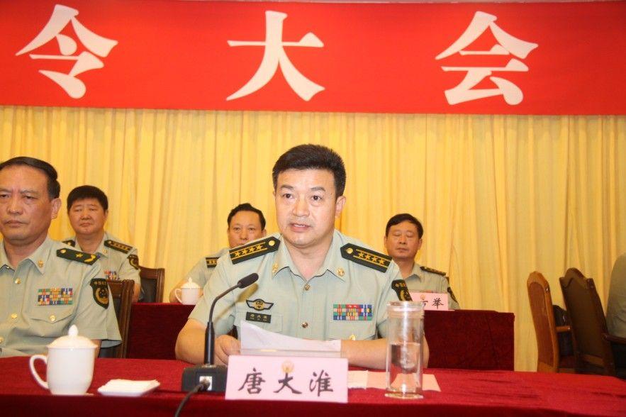 (汪中淑 姜永安 四川在线记者 宋丹)今天上午,武警部队在成都举图片