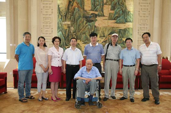 中国地质博物馆领导、工作人员和国家古生物专家委员会专家合影-图片