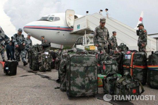 放军陆军军事技术设备抵达南乌拉尔.-直击中俄 和平使命 2013 演习