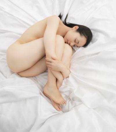 养生:揭秘女性裸睡的7大好处组图
