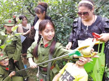 百余志愿者自驾丰县买苹果_资讯频道_凤凰网老娘们东北国产视频图片
