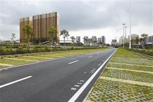 深圳首个p+r停车场空荡荡图片