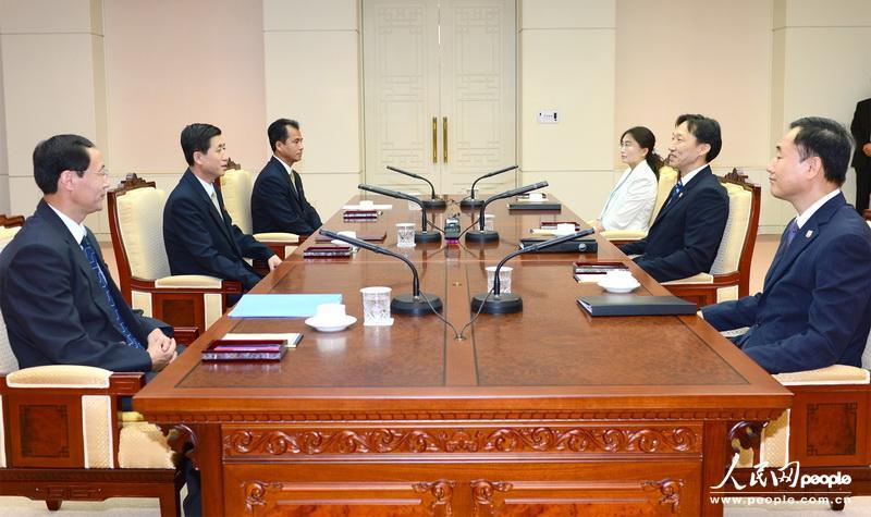 高清:朝韩举行会谈商讨离散家属团聚