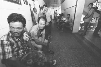 河南公交车抢劫杀人案嫌犯落网图片 18751 410x273