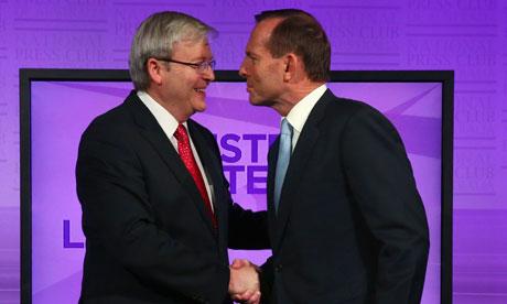 """资料图:澳大利亚总理、工党领袖陆克文(左)与反对联盟领袖阿博特src=""""http://y1.ifengimg.com/news_spider/dci_2013/09/d75b7a67c4f41d6c13c6b128493db2b5.jpg"""""""