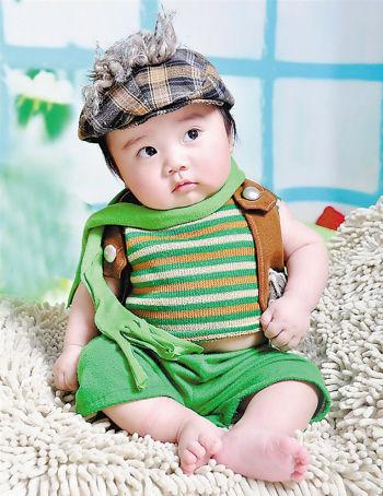 出生日期:2013年1月16日 爸爸:陈丙强 妈妈:常燕 兴趣爱好:听音乐